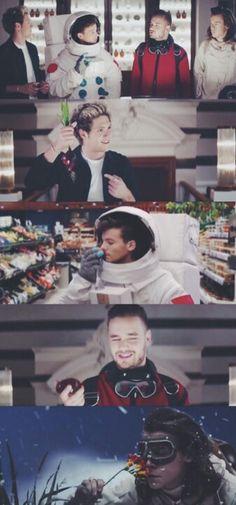 I love their perfume ads xD