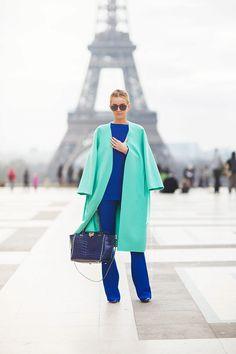 Легкое пальто (148 фото): без подкладки, женское модное пальто 2017, без воротника, из жаккарда, на лето, длинное, с чем носить, голубое