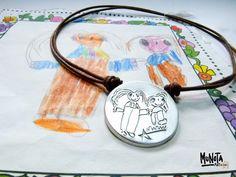 ¿Qué regalarle a tu hija #adolescente? Si aún conservas algún #dibujo que hizo de pequeña puedes plasmarlo en alguna de nuestras #joyasdeplata :-)  #joyasdeplatapersonalizadas  #regalospersonalizados #pulserapersonalizada #pulseradeplata #personalizarregalos #regalosparaadolescentes #regalos #adolescentes #dibujos #dibujosdeniños #niños #joyasgrabadas
