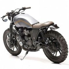 Our Friday custom motorbike crush comes from Portugal-based Dream Wheels Heritage. The bike, a Yamaha was bought in Germany in a miserable state and Dream Wheels put their magic and creativity to work and created a stunning conversion, changing Yamaha Cafe Racer, Ducati, Motos Yamaha, Yamaha Bikes, Cb750 Cafe, Bobber Motorcycle, Moto Bike, Motorcycle Design, Bike Design