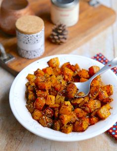 Oven roasted butternut dice with Zaatar - - Quinoa Recipes Easy, Good Healthy Recipes, Pork Recipes, Healthy Drinks, Vegetarian Recipes, Healthy Eating, Healthy Food, Vegan Food, Easy Recipes