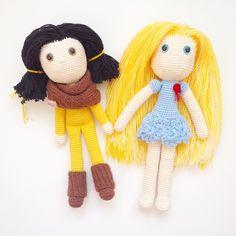 """""""Вот эти две подружки, 2014 года выпуска, так никто и не купил. Мне их так жалко...думаю, что они не должны просто так стоять, что куколками надо играть.…"""""""