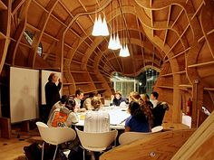 A room-sized sculpture by architect Frank Gehry provides a unique setting for classes within Princeton's Icahn Laboratory, home of the Lewis-Sigler Institute for Integrative Genomics. Princeton Architecture, Art Studio Design, Unique Settings, Space Place, Frank Gehry, Amazing Buildings, Pavilion, Floor Plans, Blue Avatar