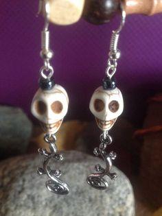 Skull Lizard Earrings by BeverlyJaneCreations on Etsy