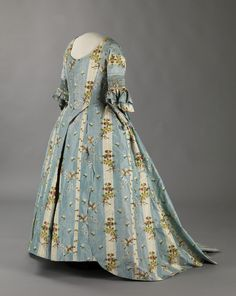 Robe a la francaise ca. 1770's    From the Digitalt Museum