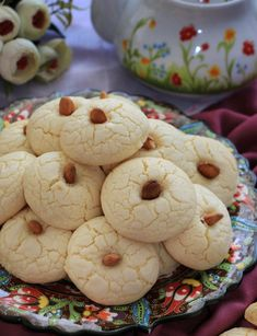 Oil Butter Cookies - Delicious cookies made with oil, without using margarine and butter. Baking Recipes, Cookie Recipes, Keks Dessert, Cakes Plus, Light Snacks, Delicious Cake Recipes, Snacks Für Party, Yummy Cookies, Healthy Baking