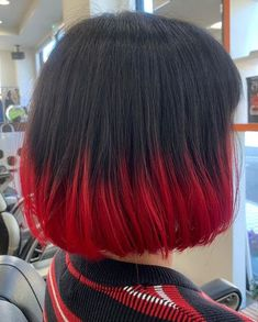 19 ideas to dye the ends of your hair and not stay with the desire Hair Color Streaks, Hair Color Purple, Hair Dye Colors, Cool Hair Color, Green Hair, Scene Hair Colors, Ombre Color, Dye My Hair, Dip Dye Hair