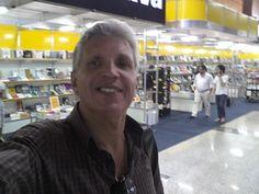 Serviço:  33ª Feira do Livro de Brasília Quando: 16 a 25 de junho de 2017, das 9 às 21h (Durante o fim de semana a programação vai das 10h às 19h) Local: Pátio Brasil Shopping Entrada gratuita Programação completa em: www.feiradolivrobrasilia.com