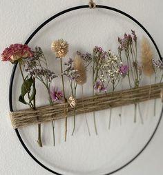 Black Metal Rings, White Rings, Fleurs Diy, Unique Flowers, Boho Diy, Arte Floral, Flower Wall, Dried Flowers, Diy Wall