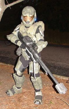Cardboard/Fiberglass Halo 3 inspired Master Chief Costume Yes. & Halo Costumes For Kids | Party: Halo Bday | Pinterest | Costumes ...