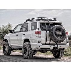 Sweet s! @rorck_t4r and check out @pitorican_4runner if you want that tire…