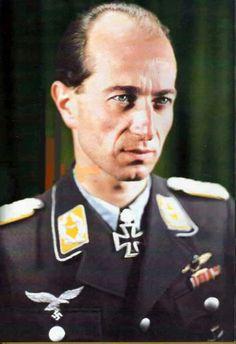 Oblt. Hartmann Grasser. Flugzeugf. en II./J.G. 51. RK. 4.9.1941. EL. (288) 31.8.1943.