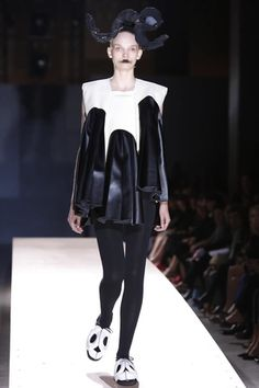 Comme des Garcons Ready To Wear Spring Summer 2014 Paris