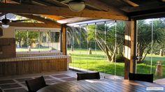 Veranda con vista su giardino, vista interna