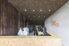 Construido en 2017 en Guatemala. Imagenes por Margó Porres. El proyecto consiste en una tienda de servicios de impresión de 32 metros cuadrados, ubicada estratégicamente frente a una de las avenidas más...