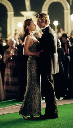Brad Pitt and Claire Forlani as Joe & Susan in Meet Joe Black Brad Pitt, Claire Forlani, Look Fashion, High Fashion, Image Film, Light Film, Universal Pictures, Film Serie, Romantic Couples