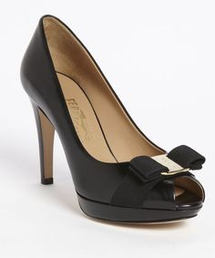 Audrey Hepburn inspired shoes - gorgeous and elegant!