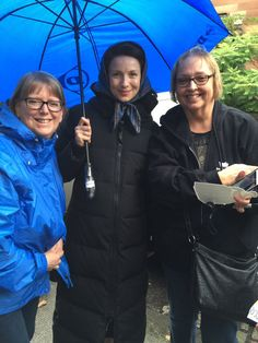 Lori Kuhns @lorikuhns  9/21/16 .@ClanHeughan @OutlanderTVNews @rthacarr just icing on the cake! @caitrionambalfe was so lovely and very gracious to all of us. #Outlander