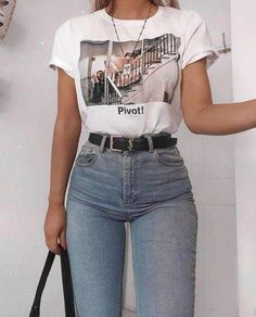 Friends pivot tee in 2020 Tumblr Outfits, Mode Outfits, Girl Outfits, Fashion Outfits, Fashion Trends, Hijab Casual, Cute Casual Outfits, Easy Outfits, Vintage Outfits