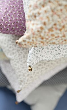 add little bells to pillow cases for instant happy // Mokkasin