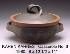 Love the handle - Karen Karnes Casserole Thrown Pottery, Pottery Mugs, Ceramic Pottery, Pottery Art, Ceramic Glaze Recipes, Pottery Designs, Pottery Ideas, Ceramic Workshop, Ceramic Techniques