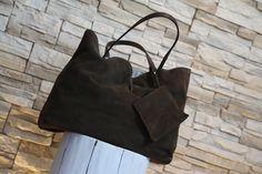 Modello #shopper reversibile camoscio e #canvas dipinta a mano e personalizzabile su richiesta. #bags #art #moda #design