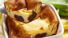 Învaţă să prepari o prăjitură cu cremă delicioasă şi fină ca mătasea franţuzească.