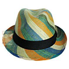 Sombrero tejido en paja toquilla o palma de Iraca, por artesanos en Sandona Nariño