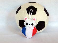 Chat kawaii, drapeau français, chat en feutrine, par IbelieveIcanfil, kawaii cat, french flag, felt cat by IbelieveIcanfil on Etsy