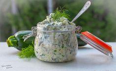 Herkkusalaatti kesäkurpitsasta / Tinskun keittiössä ja Tyynen kaa Watering Can, Zucchini, Canning, Home Canning, Conservation