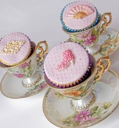 marie antoinette cupcakes! | Flickr - Photo Sharing!