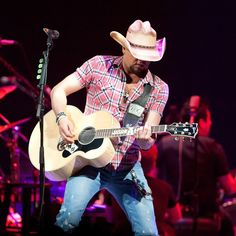 Jason Aldean - 1-9-14 In Bossier City LA