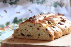 What are Traditional Eastern European Bread Recipes for Easter? Easter Bread Recipe, Eastern European Recipes, Sweet Dough, International Recipes, Bread Recipes, Banana Bread, Favorite Recipes, Treats, Traditional