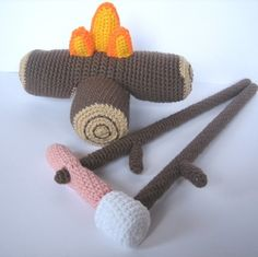 Crocheted camp fire with marshmallow and hotdogs on sticks... What a great idea!