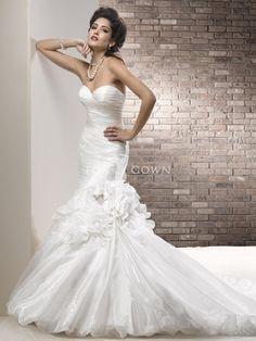 Crystal Organza Passform und Flare Sweetheart Brautkleid mit geraffte Mieder $552.64 Hochzeitskleider