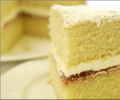 This Russian Honey Cake, also know as Medianyk, is absolutely wonderful! This Russian Honey Cake would be excellent served with coffee or tea. Recipe For Victoria Sponge Cake, Victorian Cakes, Russian Honey Cake, British Cake, Cake Receipe, Cake Day, Milk Cake, British Baking, Fresh Cream