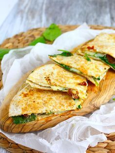 Quesadillas met geitenkaas en spinazie – Food And Drink Veggie Recipes, Lunch Recipes, Mexican Food Recipes, Vegetarian Recipes, Healthy Recipes, I Love Food, Good Food, Yummy Food, Healty Lunches