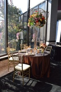 Tablescape by Landerhaven by Executive Caterers at the July 2015 Cleveland bridal show | As seen on TodaysBride.com