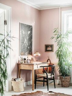 52 Trendy home office design pink wall colors Cores Home Office, Home Office Colors, Home Office Space, Home Office Design, Tiny Office, Ikea Office, Office Nook, Front Office, Desk Space