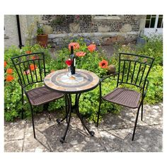 The Villena table is perfectly accompanied by the matching Malaga chairs, the set is great for a cup of tea whilst admiring the garden and of course the beautiful weather. Each is unique and is hand crafted and finished to a very high standard. Featuring an eye-catching mosaic-style top, this round bistro set is the perfect addition to your patio.