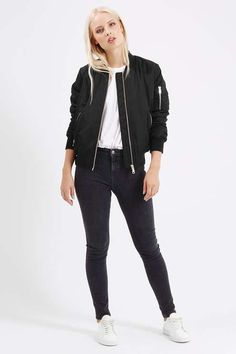 really want this jacket :)