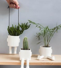 Original Planters, Handmade Winter Decorations and Gift Ideas for People Who Have Everything,. Original Planters, Handmade Winter Decorations and Gift Ideas for People Who Have Everything, Clay Projects, Clay Crafts, Diy And Crafts, Kids Crafts, Ceramic Pottery, Ceramic Art, Potted Plants, Indoor Plants, Plant Pots