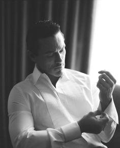 Luke Evans so manly Men Photography, Hommes Sexy, Raining Men, Michael Fassbender, Gentleman Style, Dapper Gentleman, Perfect Man, Gorgeous Men, Sexy Men