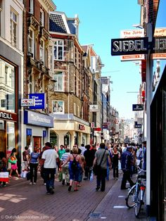 Marks & Spencer returns to Amsterdam -- opening it's Kalverstraat store in early April.