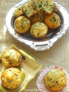 Muffins with spinach and feta cheese Baby Food Recipes, Cake Recipes, Cooking Recipes, Healthy Recipes, Healthy Meals, Romanian Food, Romanian Recipes, Spinach And Feta, Foodies