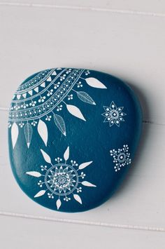 Mandala stone hand painted in turquoise and white Mandala Painting, Pebble Painting, Dot Painting, Pebble Art, Mandala Art, Stone Painting, Night Sky Painting, Rock Decor, Hand Painted Rocks