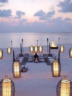 Beach dining, Dusit Thani #Maldives A luxury #resort blending Thai hospitality with the Maldives.