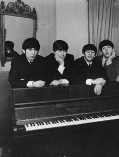 The Beatles - George Harrison, Paul McCartney, Ringo Starr, John Lennon