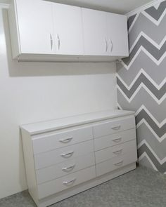 Nosso mini closet já montado. Ficou lindo demais! ❤