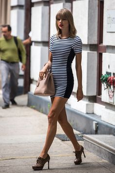 Taylor Swift Lace Up Pumps Outfit Taylor Swift Lace Up Pumps Outfit – Tell us what you think about this hot mini dress outfit with lace up pumps by leaving a comment below. Taylor Swift Sexy, Estilo Taylor Swift, Taylor Swift Outfits, Taylor Swift Style, Taylor Swift Pictures, Taylor Alison Swift, Taylor Swift Skinny, Red Taylor, Legs